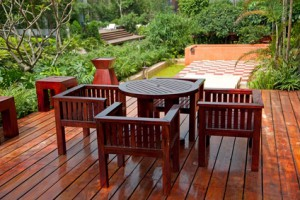 wood staining services in Chattanooga, TN